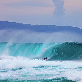 Banzai Pipeline by Anthony Jones