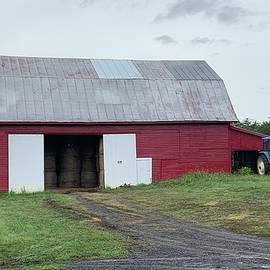 Belle Grove Barn by Nancy Rabe