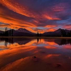 Best sunset at Sparks Lake by Lynn Hopwood