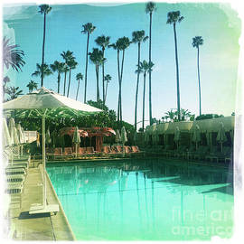 Beverly Hills Hotel Pool by Nina Prommer