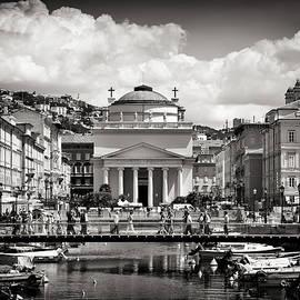Black and White Photography - Trieste - Sant'Antonio Taumaturgo by Alexander Voss
