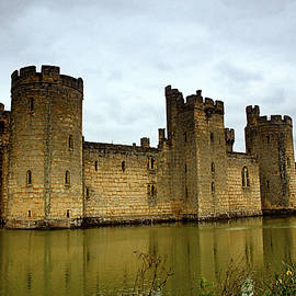 Bodiam Castle. by Bill Lee