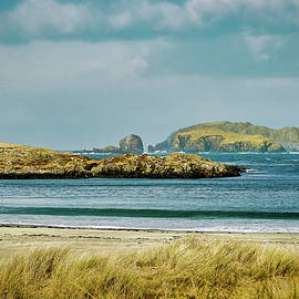 Bosta Beach, Isle of Lewis. by Robert Murray