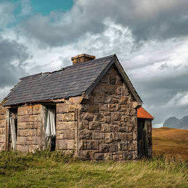 Bothy and Suilven by Dave Bowman