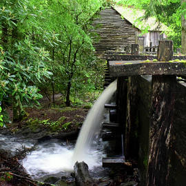 Cable Mill Overflow by Pat Turner