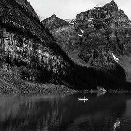 Canoeing Moraine Lake BnW