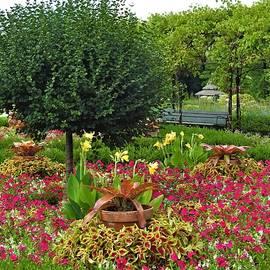 Cantigny Garden Warrenville, Illinois by Barbara Ebeling