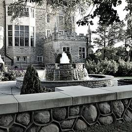 Casa Loma - view from the street, colourless by Maria Faria Rodrigues