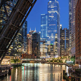 Chicago cityscape from Kinzie street bridge by Steve Carr