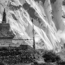 Chorten in front of Lhotse south face by Murray Rudd