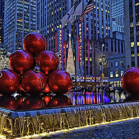 Christmas in the City 5 - 6th Avenue Decorations by Allen Beatty