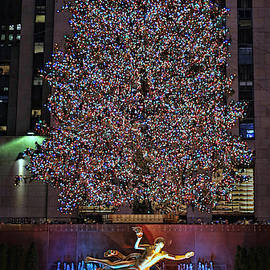 Christmas in the City 8 - Rockefeller Center Christmas Tree by Allen Beatty