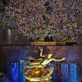 Christmas in the City 9 - Rockefeller Center Christmas Tree by Allen Beatty