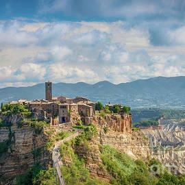 Civita di Bagnoregio by Viv Thompson