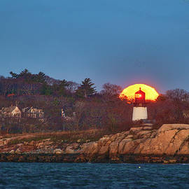 Cold Full Moon and Ten Pound Island Lighthouse by Juergen Roth