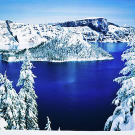 Crater Lake Oregon by Teresa Trotter