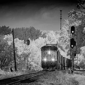 CSXT 3115 pulls upgrade leading Q025 at Mortons Gap KY by Jim Pearson