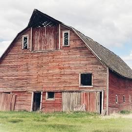Davenport Barn by Jerry Abbott
