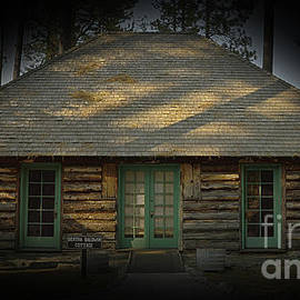 Dextra Baldwin cottage, Camp Richardson, California, U.S.A., El Dorado National Forest by PROMedias Obray