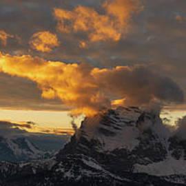 Dolomiti panorama by Yuri San