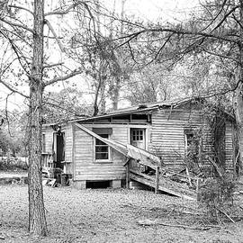 Empty Old House in Ruins Near Reelsboro North Carolina by Bob Decker