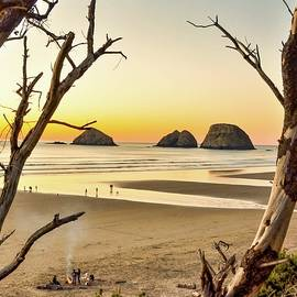 Evening At The Beach - Oceanside - Oregon by Beautiful Oregon