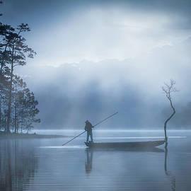 Fishing at night by Thomas Ozga