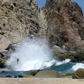 Fluffy Wave Splash on a Cabo Shore by Barbie Corbett-Newmin