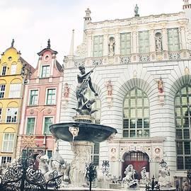 Fountain of Neptune in Gdansk #2 by Slawek Aniol