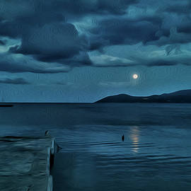 Full Moon by Enet images