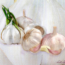 Garlic Grouping by Michele Avanti