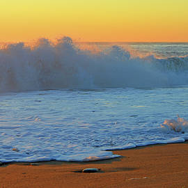 Gentle Dawn - Cape Cod National Seashore by Dianne Cowen Photography
