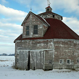 George Rudicel Round Barn 2, Shelby County, Indiana by Steve Gass