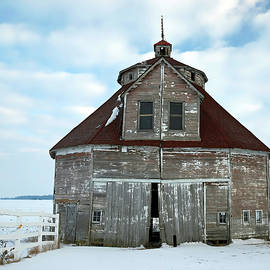 George Rudicel Round Barn, Shelby County, Indiana by Steve Gass