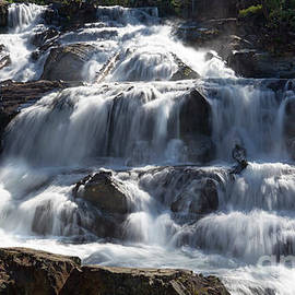 Glen Alpine Falls in El Dorado National Forest, California, U. S. A. 2 faster shutter speed by PROMedias Obray