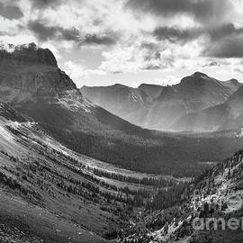 Going to the Sun Mountain and the St Mary valley, Glacier National Park, Montana, USA by Justin Foulkes