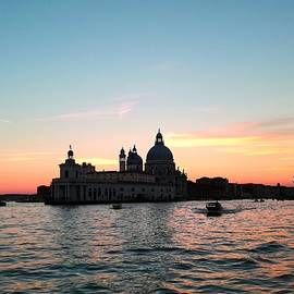 Sunset in Venice by Abrahan Fraga