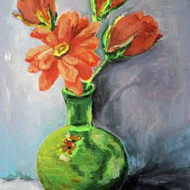Green Vase  by Jasna Dragun