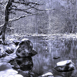 Cyantone of Greenbrier Tennessee in the Snow by Richard Jansen