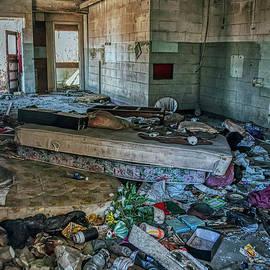 Habitat For The Homeless  by Janice Pariza