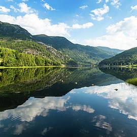 Hallingdalselva, Norway by Andreas Levi