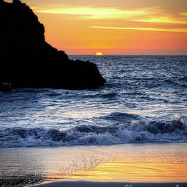 Harris Beach Horizon by Michele Hancock