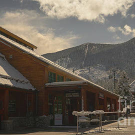 Heavenly resort deserted after another snowstorm because of Coronavirus disease 2019 COVID 19 by PROMedias Obray