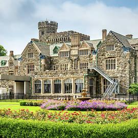 Hempstead House on Long Island, New York by Elvira Peretsman