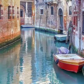 Hidden Venice 2 by Stefano Menicagli