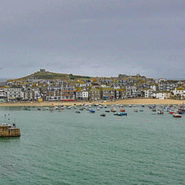 High Tide at St. Ives by Andrew Wilson
