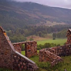 Highlands Shelter by Richard Smith
