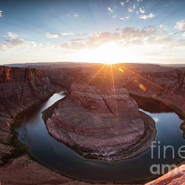 Horseshoe bend sunset by Matteo Colombo