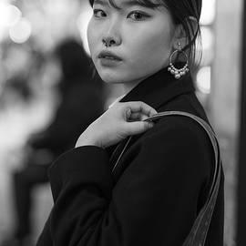 Japanese Girl by Idan Gigi