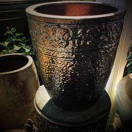 Jardiniere Deluxe by Luther Fine Art